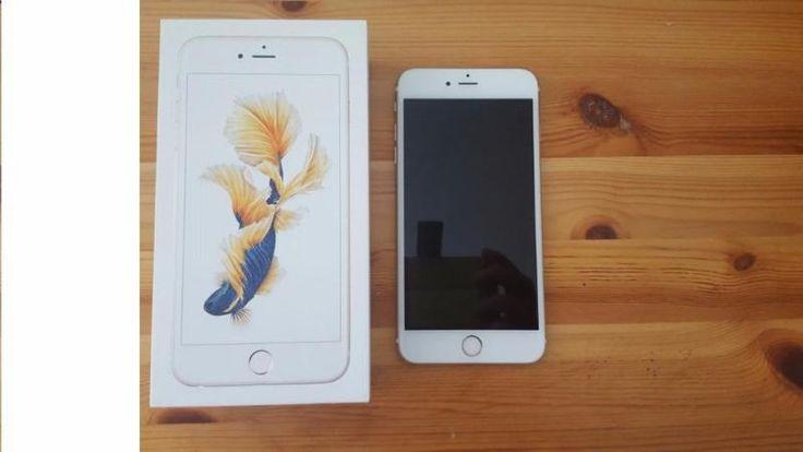 Verkaufe hier mein iPhone 6S Plus in Gold.Der Speicher beträgt 128 GB.Betriebssystem iOS 10Das iPhone ist in einem tollen Zustand !! Das Display hat keine Schramme im Display , es wurde immer mit Panzerschutzfolie bedient und vor kurzem mit Nanotechnologie Verdichtet. Dazu ist das Gehäuse in einen einwandfreien Zustand.Apple Garantie bis zum 23. Oktober 2016Das Telefon ist ca 1 Jahr jung. Technisch einwandfrei.Lieferumfang befindet sich das iPhone 6S Plus , Ladegerät, Kopfhörer und die…