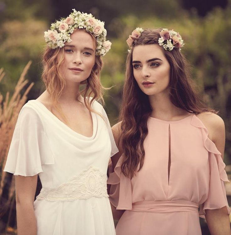 Bohemian styles for bride and bridesmaid