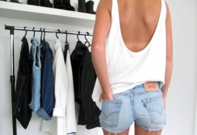 scoop back loose tank with jean cutoffs