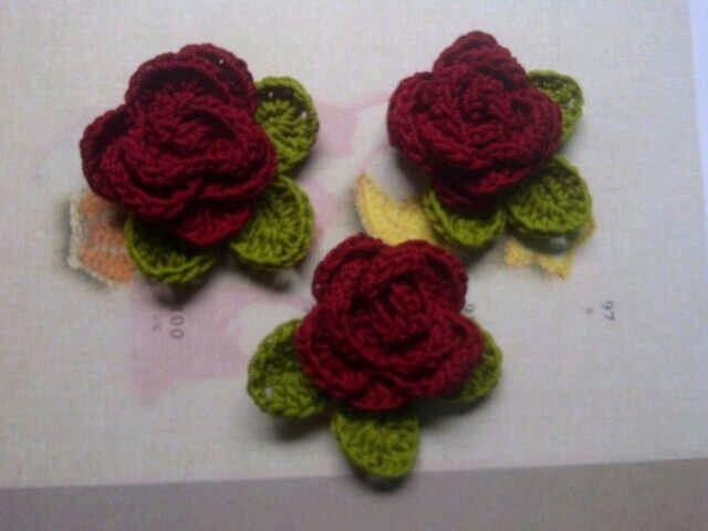 Roses brooch