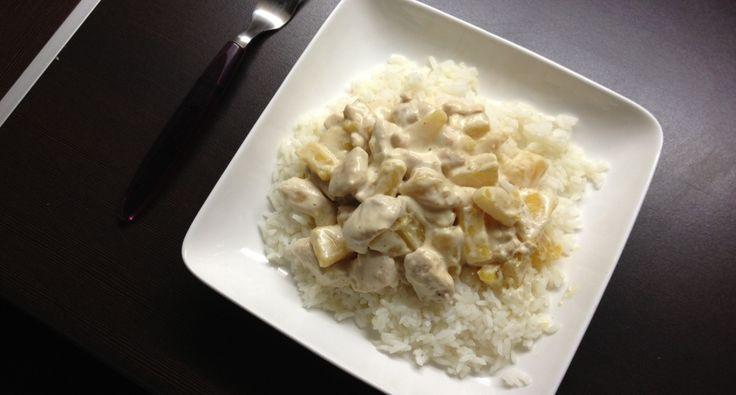 Przepis na kurczaka w sosie śmietankowo-ananasowym: Bardzo prosty i szybki przepis.