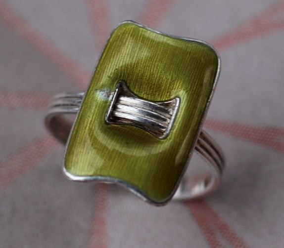 "Grete Prytz Kittelsen, Tostrup. Ring ""Standard"" i sterling sølv og emalje. Med skade. Vintage"