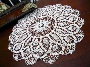 Large Crochet Doily or Small Centerpiece - Pineapple Patterned 10732 by VintageKeepsakes #vintage #zibbet