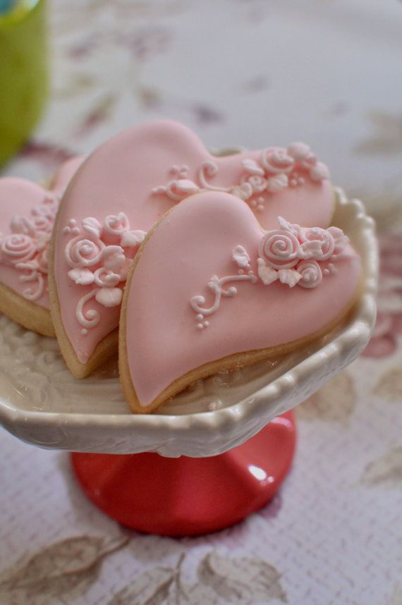 1 Dozen Folk Art Heart Cookie Favor-Shabby Chic #2 Wedding Favors, Bridal Showers, Bridemaids Gifts, Baby Showers