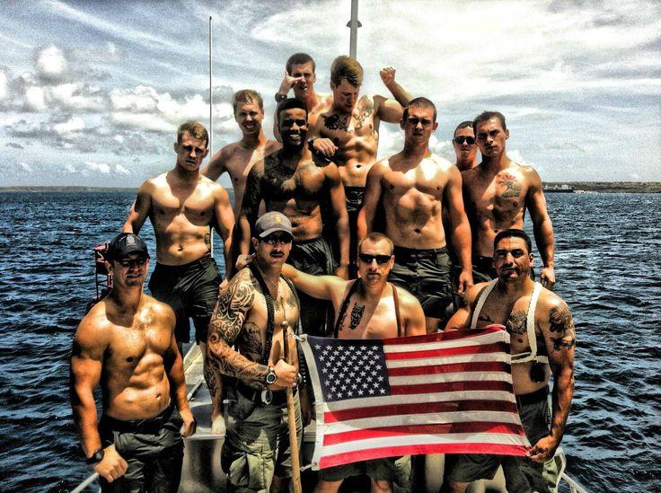US Navy EOD Divers
