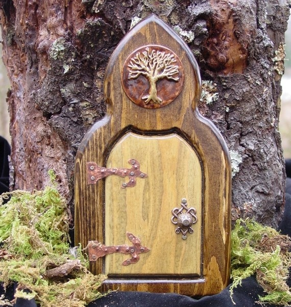 Im inspired tomorrow i shall start my own little fairy for Princess fairy door