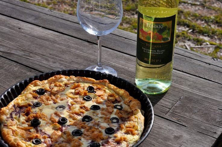 Wino i oliwa, czyli nasze toskańskie smaki : Tarta z tuńczykiem i oliwkami
