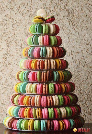 Un albero di Natale di colorati Macarons! - Foto divertente | Uffa.it