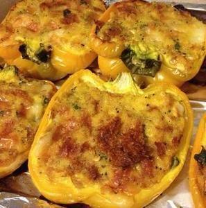 #Ricetta #peperoni ripieni http://www.lorointavola.it/ricetta-peperoni-ripieni/