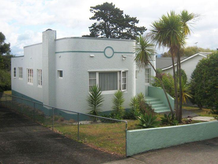 Exterior Art Deco House Lapineta Beigeroyalhalf Lexiconquarter Exterior Paint Projects
