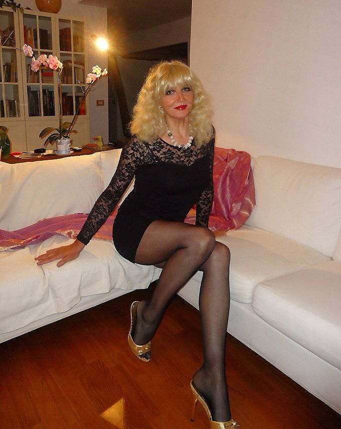 F Mature Pantyhose Shots The 112