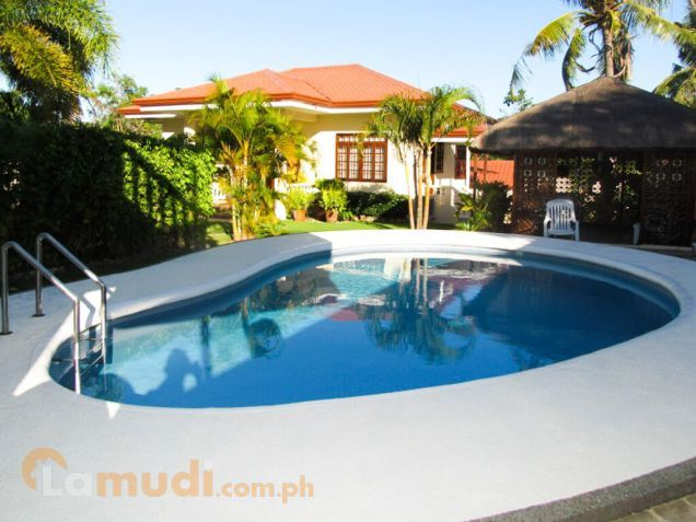 Philippines (Boracay Station 1) - House For Sale in Kalibo - 3 bedrooms - 700 sqm for 540,120 EUR