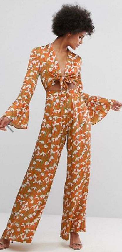 I love wide leg pants. They cover problem areas and balance OTHER problem areas. Disco fashion ideas and 70s outfits.