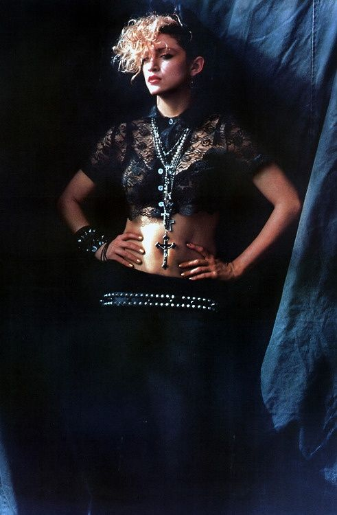 Madonna, essência da moda dos anos 80! <3