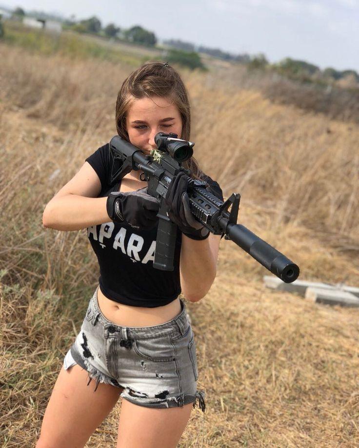 teen-girls-gun