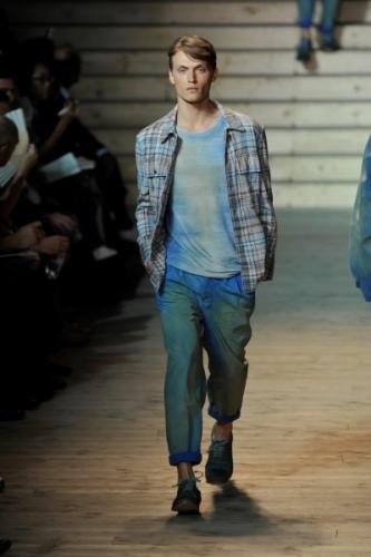 Casual Style - Men's Designer Jeans [Slideshow]