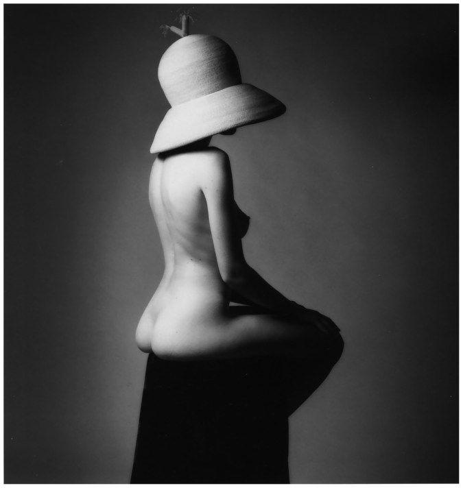 jeanloup-sieff-1995-big-hat