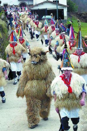 Los carnavales de Ituren y Zubieta muestran la cara m疽 rural de esta fiesta.