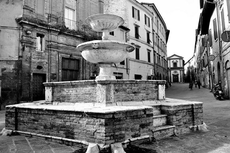 Fonte dei Pispini (1540 ca.). Foto di Isabella A su http://www.flickr.com/photos/111747620@N03/12208522694