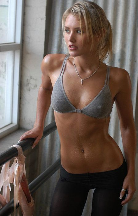 Don't you want to look like her? Hot Girl Nicky Whelan