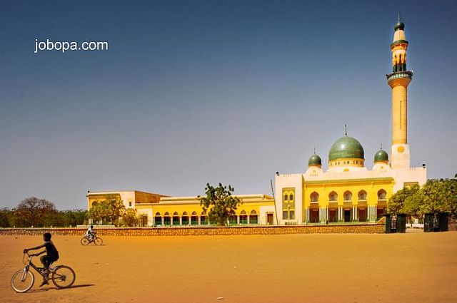 The Grand Mosque in Niamey, Niger. by Jobopa, via Flickr