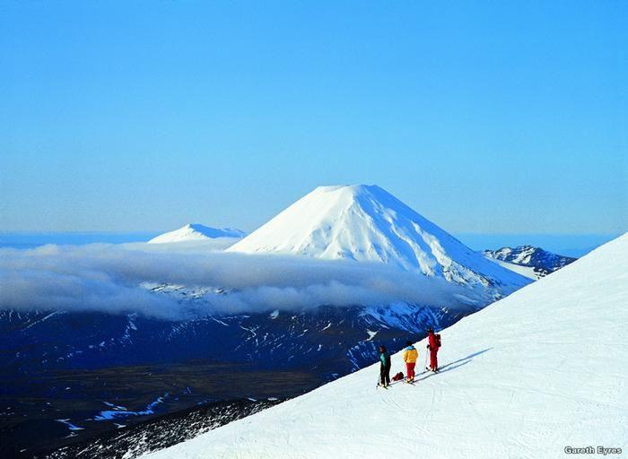 Travel Tips for New Zealand - my favourite part of New Zealand - Mt Ruapehu aka Mt Doom #NewZealand #travel