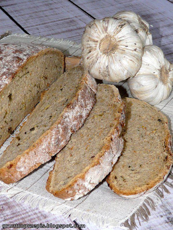 Prosty chleb drożdżowy o intensywnym czosnkowym smaku i aromacie
