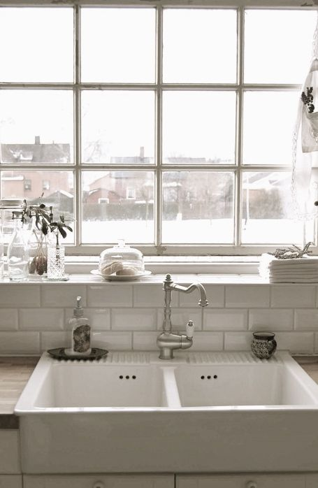Window over the sink. #white