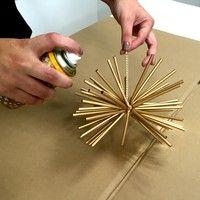 Enfeites de Natal: 'Faça em casa' ensina a montar bolas para área externa
