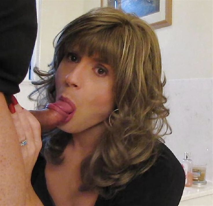 Hot goth girl sucking off her boyfriend 7