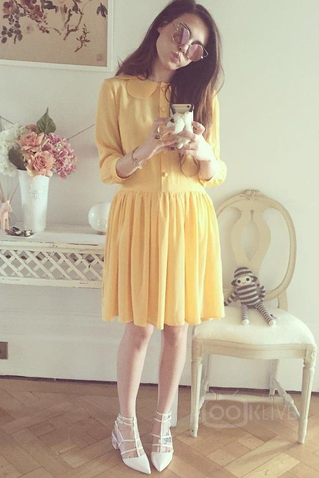 Marzia Bisognin wearing  Asos Spectacle Caged Pointed Heels, Amazon Simasima Sheep Plush iPhone 5 Case, Nadinoo Oopsy Daisy dress