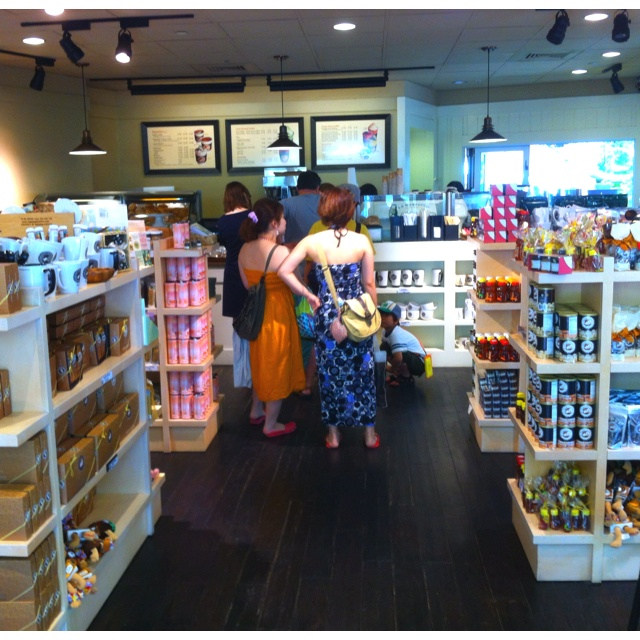 Coffee shop shelving/floor