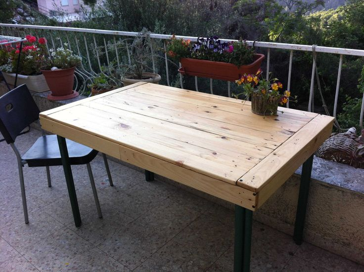 1000 images about woodworking on pinterest pallet wood for Pallet patio table