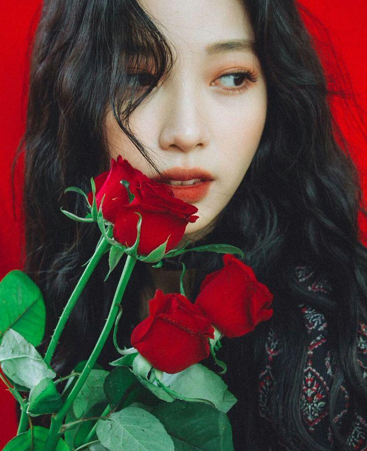 Ryu Won JYP's actress https://www.instagram.com/rw2100/?hl=id