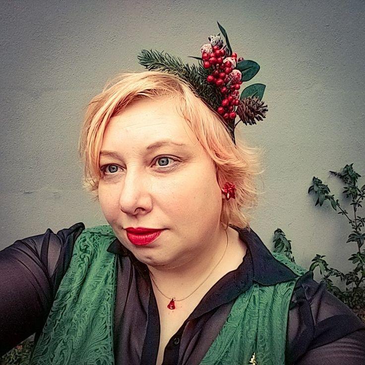 Business to Christmas (Party)   Miss Kittenheel plussize vintage curvy lindybop jekyll  brocade reclaimedfur vintagefur truevinage chiffon wiggledress fascinator tartan boden cashmere cardi leo muff