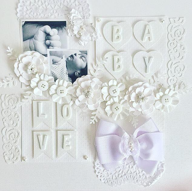 página para ábum scrapbook - monocromática na cor branco - decorada com furadores, letras adesivas,furadores borda ,flor e coração