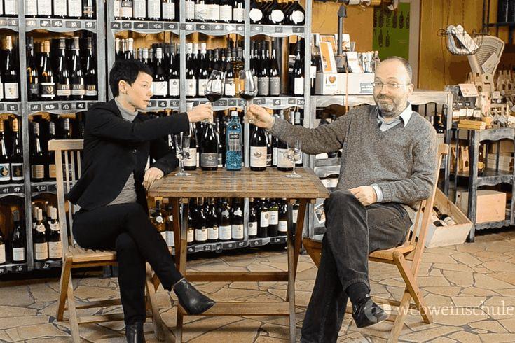 Der Spätburgunder oder Pinot Noir, wie er international heißt, ist eine der bedeutendsten Rotweinsorten, aber nicht jedermanns Sache. Wir erklären ihn Euch.