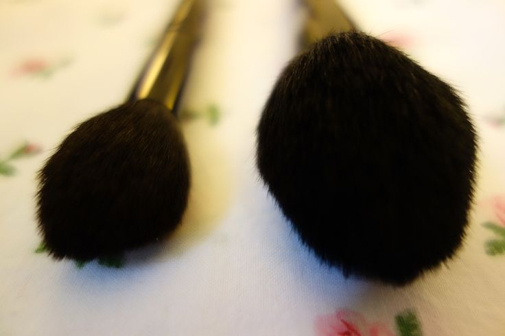 wayne-goss-limited-edition-christmas-holiday-powder-brush-review