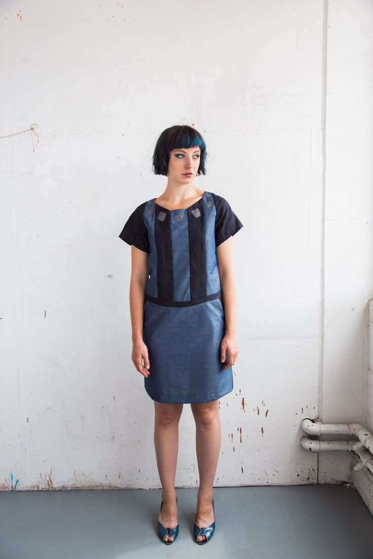 Dress  Wide neck with short sleeves dress in navy linen and blue cotton chambray. Relaxed fit, above knee length. Conceal zip closure at back. Cotton 75% Linen 25%