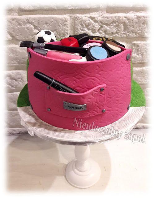 Nieuleczalny zapał-Torty w stylu angielskim: Tort kosmetyczka + tort koszulka z piłką