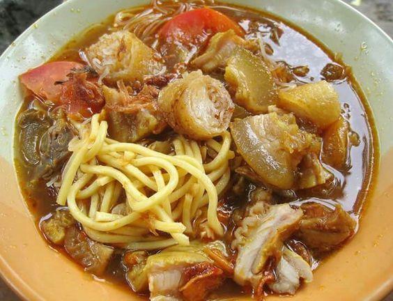 Resep Soto Mie  Soto, masakan khas Indonesia ini memiliki berbagai variasi…