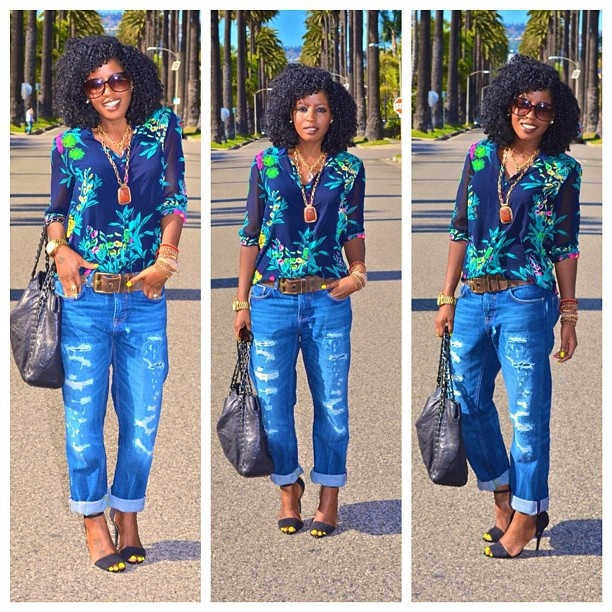 Today's outfit post    Florals + Boyfriend Jeans: Floral Tops, Fashion Fav, Fashion Oo, Outfits Posts, Boyfriends Jeans, Fashionista Ideas, Blue Floral, Outfits Y, Jeans Looks