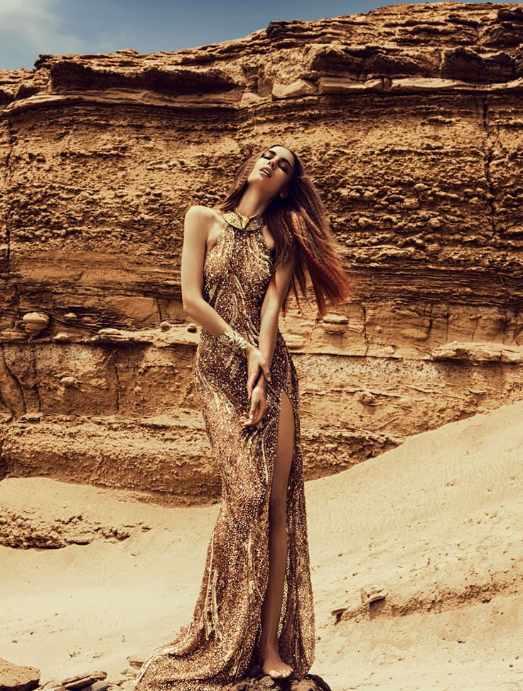 Gold Dust – Nadja Bender chases the sun in this gorgeous shoot lensed by Alexander Neumann for our latest exclusive. Wearing a wardrobe of fine metallic, gold pieces styled by Vanessa Bellugeon,