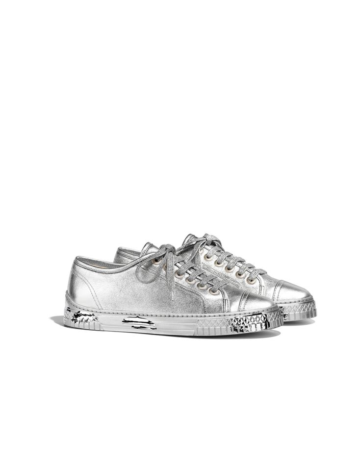 Chanel | Tennis shoes in silver laminated lambskin