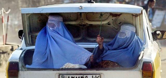 Afghan women in the trunk of a car. (Photo: ©  Reuters)