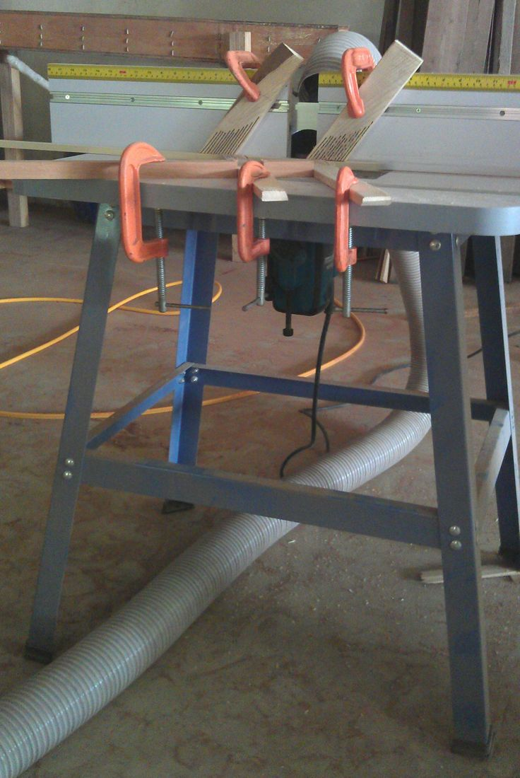 Router table with 3hp Makita router.