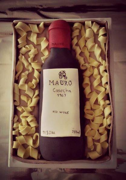 Pastel botella de vino Mauro