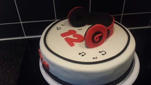 Beats by Dr. Dre cake