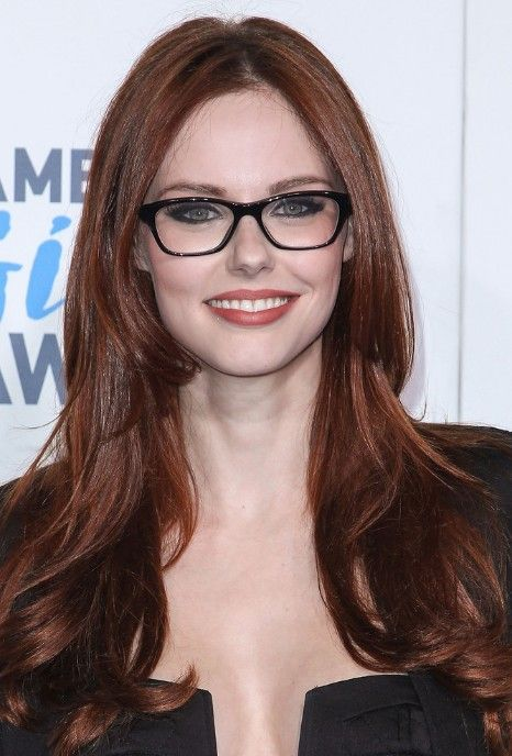 short auburn hair plus glasses | Picture of Alyssa Campanella Glossy Long Auburn Hairstyle for Winter ...