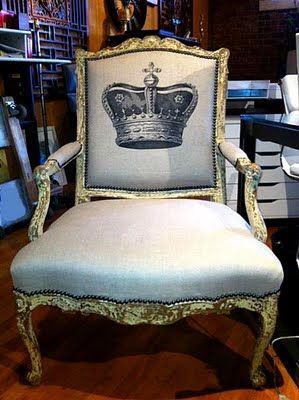 The Graphics Fairy - DIY: Fabulous Crown Chair *I so want to make this. I need to go thrifting for a chair!*